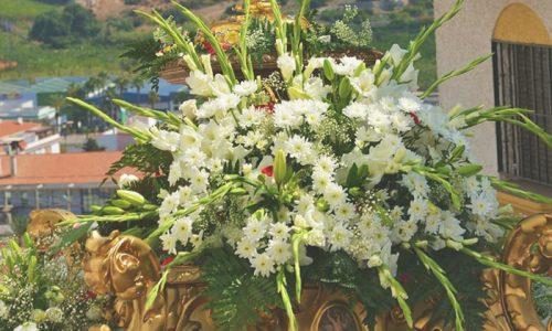 Arreglo Floral Trono de Salobreña