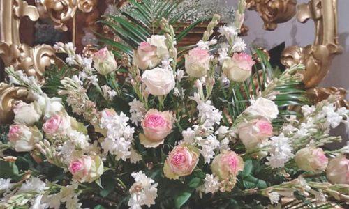 Arreglo Floral Trono de Semana Santa